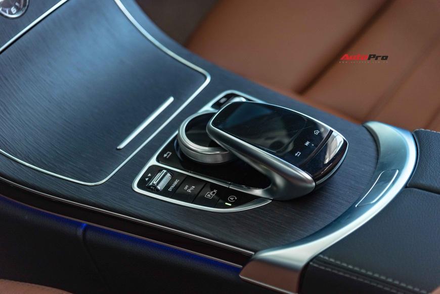 Chưa kịp thay dầu, chủ Mercedes-Benz C 300 AMG đã rao bán xe khi mới chạy 3.600 km - Ảnh 6.