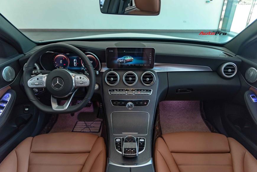 Chưa kịp thay dầu, chủ Mercedes-Benz C 300 AMG đã rao bán xe khi mới chạy 3.600 km - Ảnh 4.