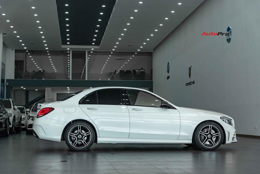 Chưa kịp thay dầu, chủ Mercedes-Benz C 300 AMG đã rao bán xe khi mới chạy 3.600 km - Ảnh 2.