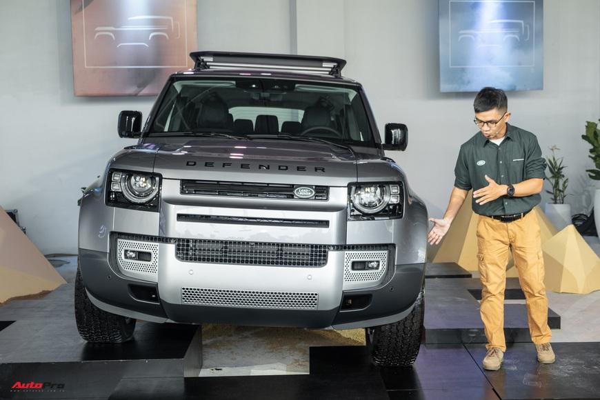 Chi tiết Land Rover Defender 2021: Xe off-road cho nhà giàu Việt, nhiều tính năng hay ho, giá cao nhất 6,31 tỷ đồng - Ảnh 1.