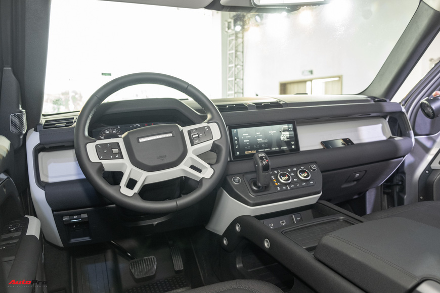 Chi tiết Land Rover Defender 2021: Xe off-road cho nhà giàu Việt, nhiều tính năng hay ho, giá cao nhất 6,31 tỷ đồng - Ảnh 10.