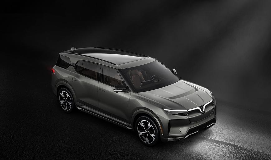 VinFast công bố 3 mẫu ô tô hoàn toàn mới: Bán từ tháng 5, có tùy chọn động cơ điện, VF33 đẹp như xe Mỹ - Ảnh 1.