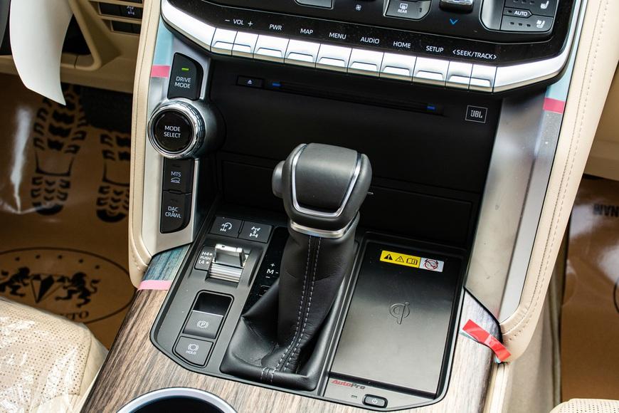 Trải nghiệm Toyota Land Cruiser 2022 nhập khẩu chính hãng: Kích thước đồ sộ nhưng không gian vẫn còn khiêm tốn - Ảnh 12.