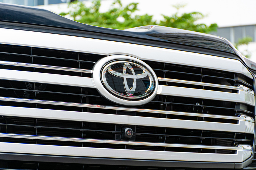 Trải nghiệm Toyota Land Cruiser 2022 nhập khẩu chính hãng: Kích thước đồ sộ nhưng không gian vẫn còn khiêm tốn - Ảnh 7.