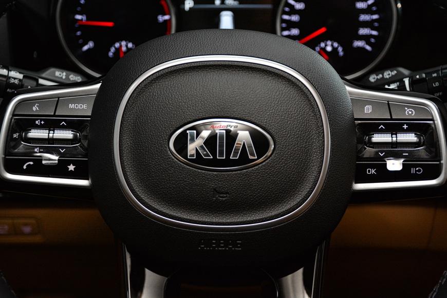 Khám phá Kia Carnival bản tiêu chuẩn giá gần 1,2 tỷ đồng tại đại lý: Bỏ nhiều tiện nghi cao cấp nhưng đủ hiện đại làm xe dịch vụ hạng sang - Ảnh 8.