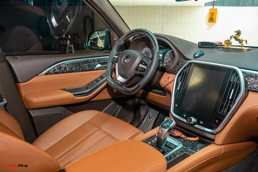 Chủ xe Bình Phước chi hàng trăm triệu độ VinFast Lux SA2.0: Ngoại hình như siêu SUV, công suất tăng 32 mã lực, riêng bộ mâm 100 triệu đồng - Ảnh 9.
