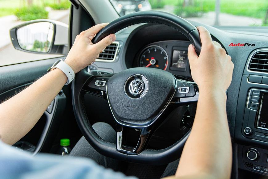 Người dùng đánh giá Volkswagen Polo: 700 triệu không có gì mấy ngoài cảm giác lái thể thao - Ảnh 9.