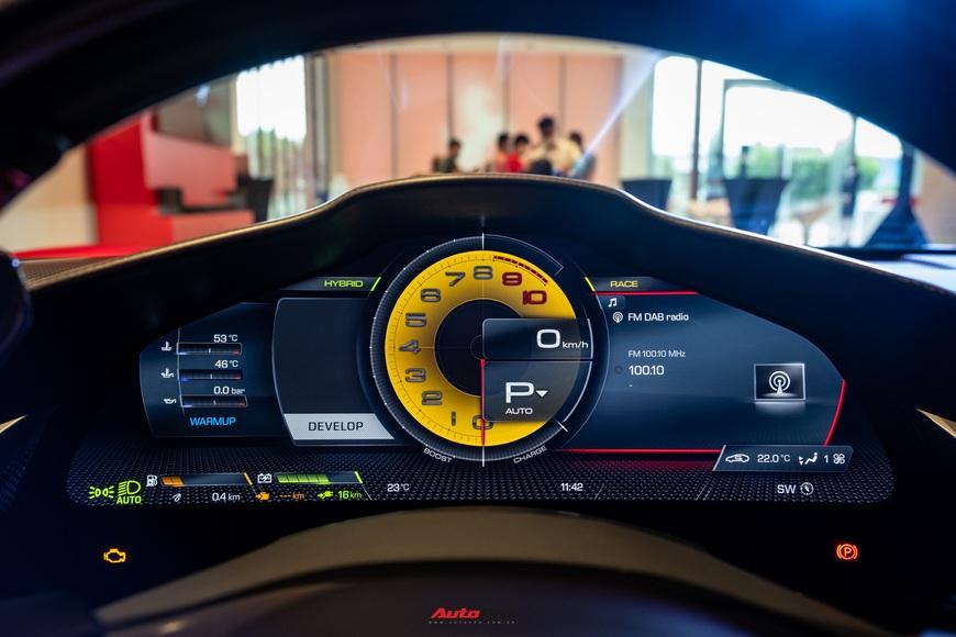 Ferrari SF90 Stradale chính hãng đầu tiên về Việt Nam: Giá trên 30 tỷ đồng, không phải xe của Cường Đô La - Ảnh 14.