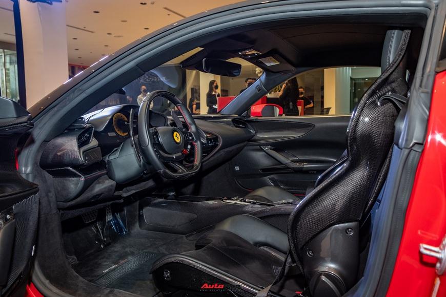 Ferrari SF90 Stradale chính hãng đầu tiên về Việt Nam: Giá trên 30 tỷ đồng, không phải xe của Cường Đô La - Ảnh 12.