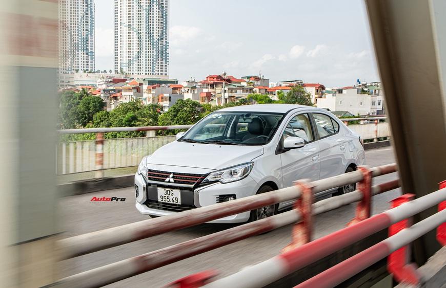 Đánh giá Mitsubishi Attrage 2021: Option thực dụng, máy 1.2L hợp đi phố - Ảnh 9.
