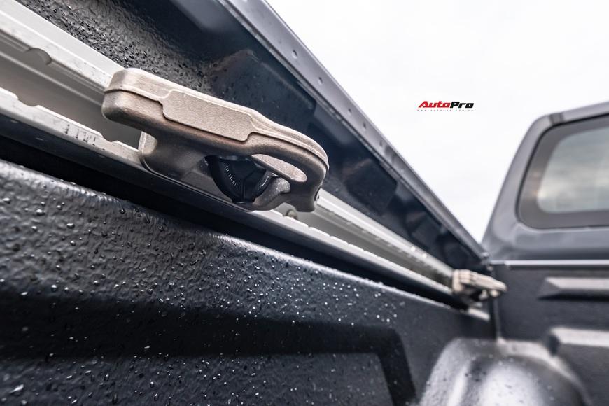 Đánh giá Nissan Navara Pro4X: Bán tải pha SUV dành cho dân chơi đi phố - Ảnh 4.