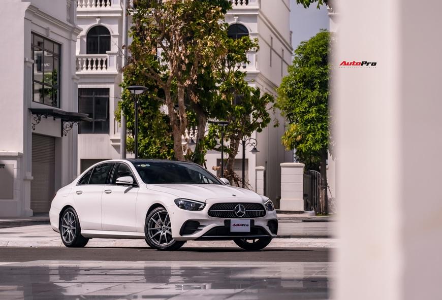 Đánh giá Mercedes-Benz E 300 AMG 2021: 3 tỷ đổi lấy sung sướng cả hai hàng ghế - Ảnh 11.
