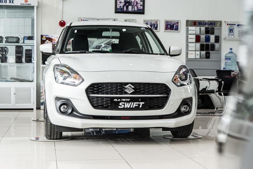 Khám phá Suzuki Swift 2021 giá 550 triệu vừa về đại lý: Có trang bị nhất phân khúc, tham vọng cải thiện doanh số - Ảnh 3.