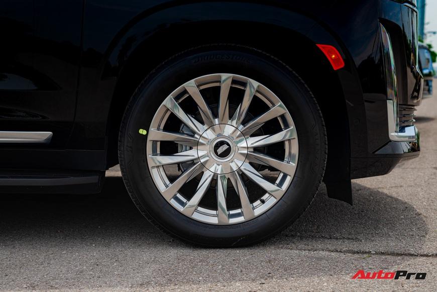 Cadillac Escalade ESV giá gần 12 tỷ đồng - SUV full-size hạng sang cho nhà giàu Việt - Ảnh 11.