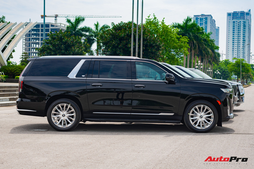 Cadillac Escalade ESV giá gần 12 tỷ đồng - SUV full-size hạng sang cho nhà giàu Việt - Ảnh 2.