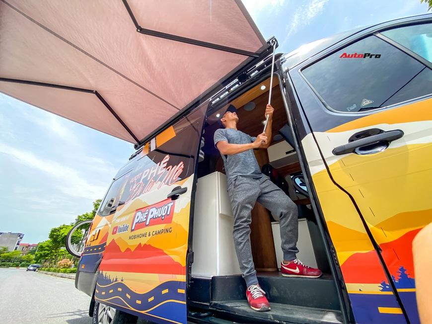 Thợ Việt độ Hyundai Solati thành nhà di động hết hơn 1,5 tỷ đồng: Có TV, bếp và công trình phụ, dùng điện mặt trời - Ảnh 5.
