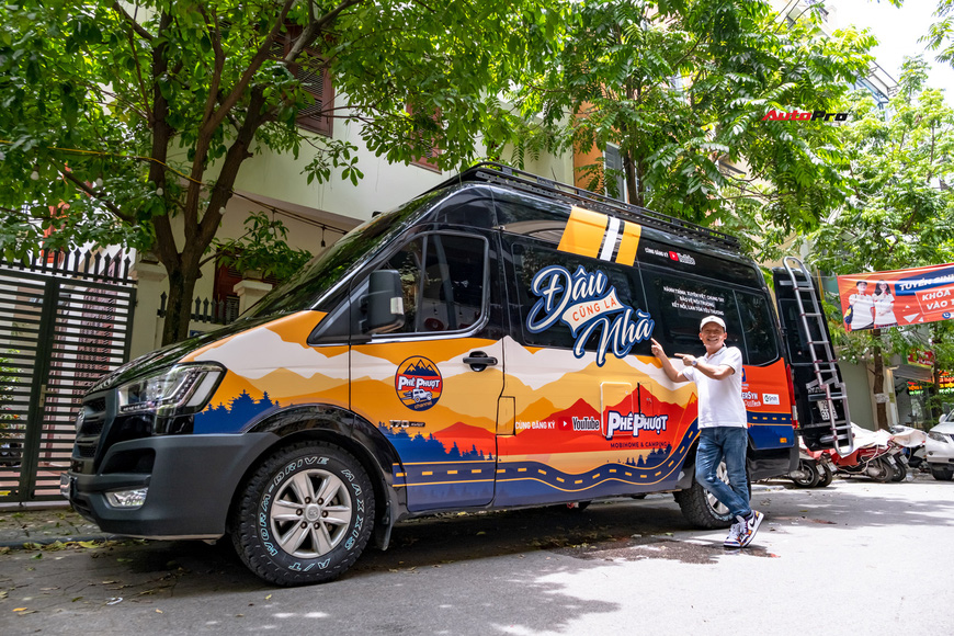 Thợ Việt độ Hyundai Solati thành nhà di động hết hơn 1,5 tỷ đồng: Có TV, bếp và công trình phụ, dùng điện mặt trời - Ảnh 3.