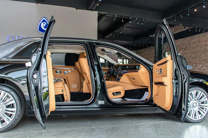 Trải nghiệm nhanh Rolls-Royce Ghost 2021 giá hơn 40 tỷ đồng tại Việt Nam: Có nhiều điểm hay không phải ai cũng biết - Ảnh 8.