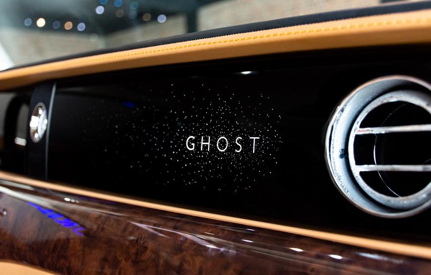 Trải nghiệm nhanh Rolls-Royce Ghost 2021 giá hơn 40 tỷ đồng tại Việt Nam: Có nhiều điểm hay không phải ai cũng biết - Ảnh 10.