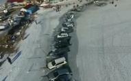 Vui thôi đừng vui quá: Thi tổ chức câu cá làm gì để rồi phải câu cả gần 40 xe vì... đỗ không suy tính