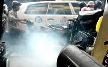 """Nhận diện """"bệnh"""" của xe máy qua màu khói và tiếng kêu của ống pô"""
