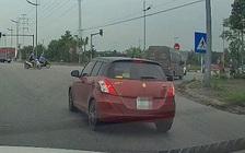 Hà Nội: Phạt tài xế ô tô vượt đèn đỏ qua tin nhắn Facebook