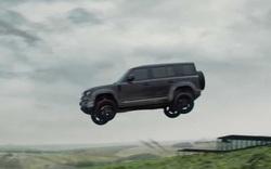 Land Rover Defender 2020 bay lượn như chim trong trailer mới của phim 007, vẫn bị người dùng quay lưng