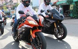 Hơn 10 chiếc mô tô hộ tống chú rể biker đi rước dâu