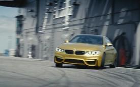BMW M4 biểu diễn tốc độ trên tàu sân bay