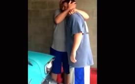 Con trai tặng cha Chevy '57 làm quà sinh nhật cực kỳ ý nghĩa