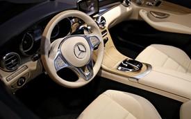Cận cảnh nội thất C-Class mui trần đầu tiên của Mercedes-Benz