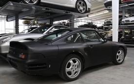 """Cận cảnh hơn 300 xe """"quý"""" được Porsche cất giấu tại kho bí mật"""