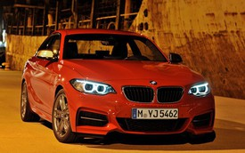 BMW giành lại ngôi vương từ đồng hương Mercedes-Benz