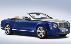 Bentley Grand Convertible 2015 thách thức Rolls-Royce Phantom Drophead Coupe