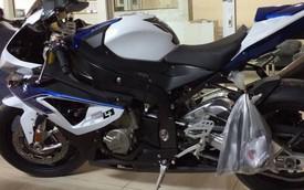 Cận cảnh siêu môtô BMW HP4 2014 mới về Việt Nam