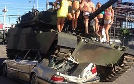 Tay cờ bạc chuyên nghiệp lái xe tăng chèn qua BMW 7-Series