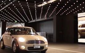 """""""Gương ma thuật"""" biến mọi chiếc xe thành Porsche Macan"""