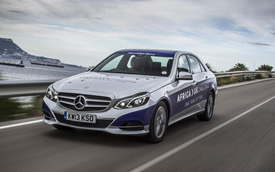 Mercedes-Benz E300 từ châu Phi đến Anh với một bình nhiên liệu