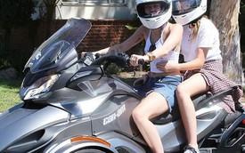 Miley Cyrus dạo phố bằng xe ba bánh Can-Am