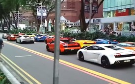 Tắc đường vì hàng loạt siêu xe Lamborghini nối đuôi trên phố