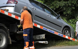 """Top Gear bị """"ném đá"""" vì dàn cảnh tai nạn tại khu vực nhạy cảm"""