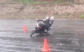 Úp cua 2 người phong cách GP dưới trời mưa, bạn có dám thử?