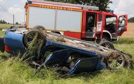 BMW M5 lật ngửa tại Đức