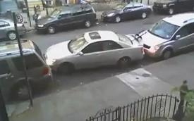 """Bạn có đủ """"cứng"""" tay và kiên nhẫn để đỗ xe như thế này?"""