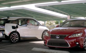 """Quảng cáo của Lexus """"dìm hàng"""" xe ăn khách BMW i3"""