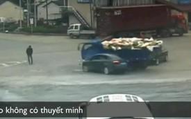 Người đàn ông thoát chết ngay trước mũi ôtô