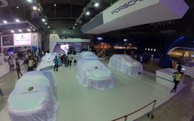 """Không khí chuẩn bị gấp rút tại Vietnam Motor Show 2014 trước """"giờ G"""""""