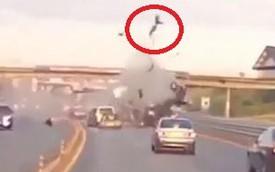 Không thắt dây an toàn, hành khách văng ra khỏi xe khi tai nạn