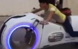 """Trung Quốc đã """"sao chép"""" thành công Tron Light Cycle?"""