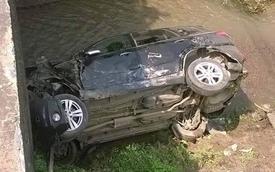 Xe Phòng CSGT Bắc Kạn gặp tai nạn, rơi xuống suối